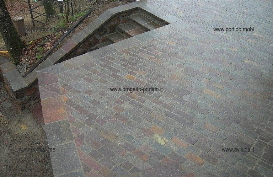 Piastrelle porfido pavimenti di prima qualit con prodotti - Rimuovere cemento da piastrelle ...