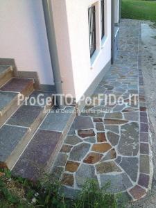 mosaico di porfido marciapiede