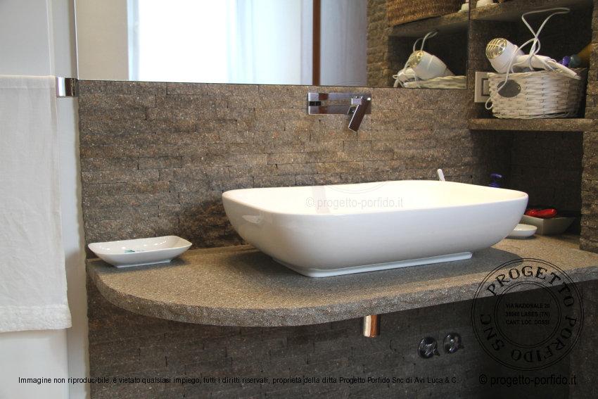 Le vasche da bagno in pietra di stone forest